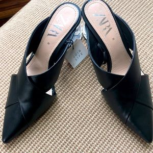 🆕💕Zara shoes with technical insole foam. Size 38